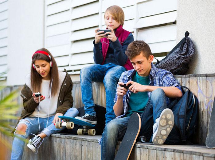 Consulta de psicoterapia con adolescentes en Madrid zona Retiro. Tratamiento de adicciones en adolescentes